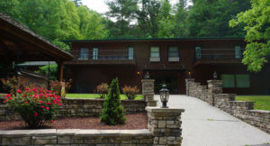 Bluff Mountain-Rentals-Walden-Lodge